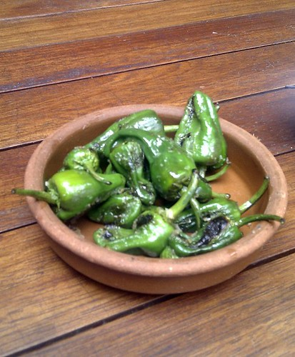Grilled Padrón peppers 4