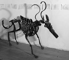 bestiole (pedrobigore) Tags: sculpture chien table bateau poisson métal fer masque acier danseuse récup volant bestioles récupération soudure soudeur féraille akouma hipocamppe