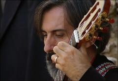 Suonando, pensando (Pablito_TR - Fabio Moscioni) Tags: pentax fabio concerto musica miranda festa chitarra 2010 terni castagna pablito k100d justpentax