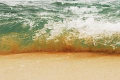 Tercios - Pared de agua y arena (Momoztla) Tags: sunset sea mexico atardecer mar wave oaxaca ola huatulco tercio momoztla