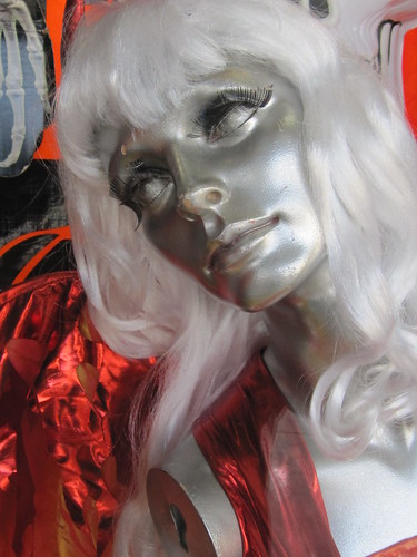 Silver Female Maniquin