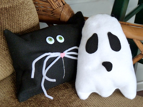 Halloween Mini Throw Pillows