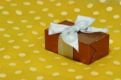 Birthdays (neelgolapi) Tags: canon polkadots gift presents bow ribbon flickrbirthday