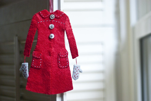 red coat ornament 2