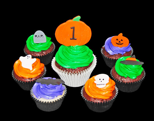 1st birthday Halloween cupcake tower