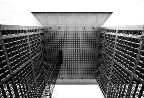 la grande arche de la défense - symmetricity