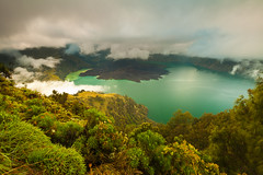 Rinjani Trekking (Helminadia Ranford) Tags: lake sunrise indonesia hiking lombok treking helminadia rinjani segaraanak