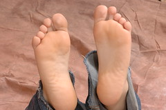 DSC_0030 (TXtickles) Tags: feet fetish foot barefoot barefeet tickling ticklish