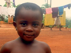 Doris (Madvinora) Tags: africa portrait girl smile child ghana enfant afrique