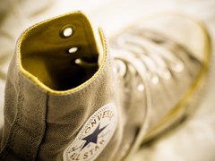 Everybody loves converse (Missclow) Tags: texture 50mm dof olympus depthoffield converse e420