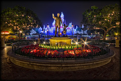 Partners - Holiday Style [Explore] (Silver1SWA (Ryan Pastorino)) Tags: statue canon mouse disneyland sigma disney mickey walt partners sleepingbeautycastle sigma1020 40d
