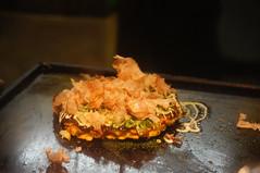 有很多高麗菜的大阪燒