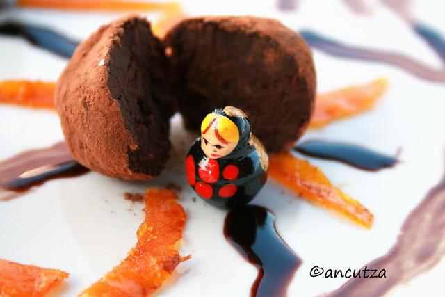 Tartufi al cioccolato e scorze d'arance candite