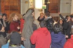 Danze 1 (quicksilv3r) Tags: italia novembre università trento duomo slogan ateneo proteste trentino manifesto 2010 lettere studenti manifestazione viaverdi sociologia corteo bassi urla auletta ddl agitazione gelmini quicksilv3r m3rcur1u5 atenei dellai universta trentoanomala
