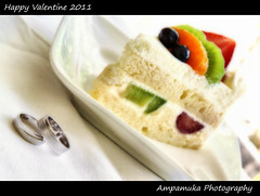 Happy Valentine 2011/ 2554 (AmpamukA) Tags: food white love cake festival fruit dessert happy gold soft day sweet valentine ring 2011 2554         ampamuka
