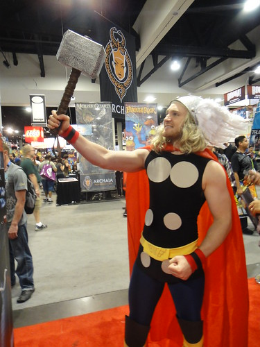 Thor Cosplayer