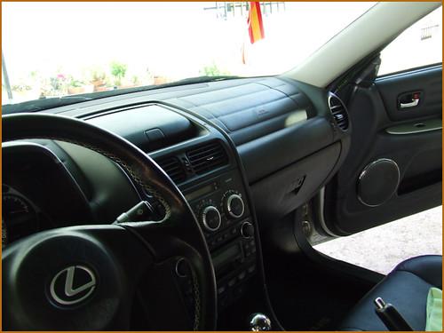 Detallado interior integral Lexus IS200-03