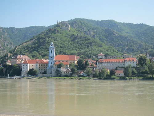 Durnstein as seen from the others side of the Danube