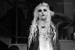 gallery_main-taylor-momsen-nyc-0722201001