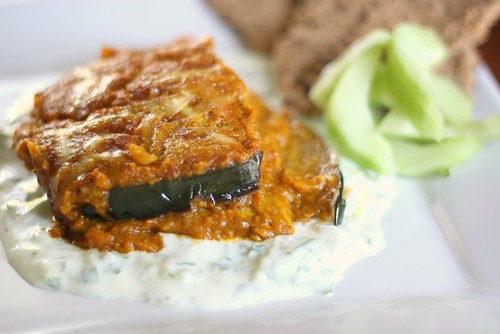 Eggplant Curry with Cucumber Yogurt Sauce | vegetarian recipes | curry recipes | eggplant recipes | gluten-free recipes | perrysplate.com