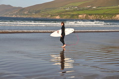 Surfer in Dingle Bay (Marcus Meissner) Tags: bestof marcus surfer dingle august irland september reise 2010 studiosus meissner