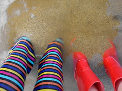Wellies in the sand (shotlandka) Tags: wet water scotland sand boots burn finepix fujifilm wellingtonboots paddling wellies arran isleofarran rubberboots wellingtons catacol     s1000fd