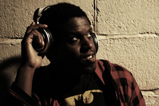 Leon the DJ