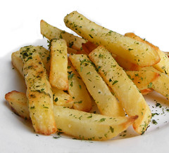 French Fries sprinkled with Aonori (FotoosVanRobin) Tags: frenchfries fries japans patat aonori friet pommefrites asianingredients zeewierpoeder japanesetwist aziatischeingredienten aziatischeingredientennl aziatischeingredinten aonorichips aonorifries aonorifriet aonoriefrites