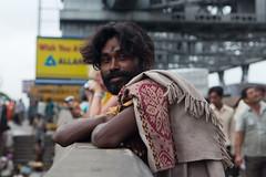 Rencontre sur le pont d'Howrah (hubertguyon) Tags: bridge portrait india man west beard pont bengal calcutta barbe homme inde howrah gange bengaleoccidental earthasia