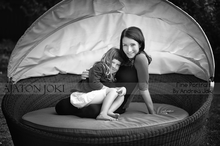 family portrait session mom and daughter
