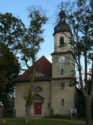 Niederlehmer Kalksandstein-Kirche