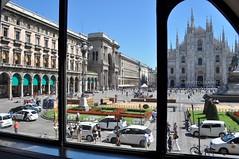 Milan (abphotographies) Tags: city flowers italy milan cars window square nikon italia gallery milano galeria september finestra dome piazza duomo settembre 2010 citt macchine d5000