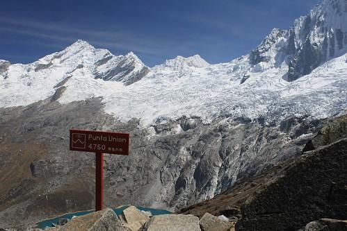 Taulliraju (5,840 m)