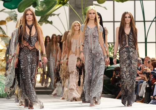 Roberto+Cavalli+Milan+Fashion+Week+Womenswear+RHn2-xHiAp1l