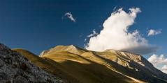 M. Vettore (Marika Belfiori) Tags: tramonto nuvole nuvola montagna luce cappello montisibillini montevettore parconazionalemontisibillini paretesudvettore