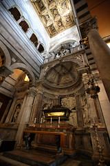 Pisa 83 (David OMalley) Tags: world old italy sun heritage history church monument beautiful architecture site ancient italia natural bright roman basilica traditional country sunny medieval christian unesco tuscany stunning tradition toscana monuments toscane picturesque idyllic epic antico medievale renaissance etruscan monumental toskana memorable rinascimento storia epoch etrusco  hlls