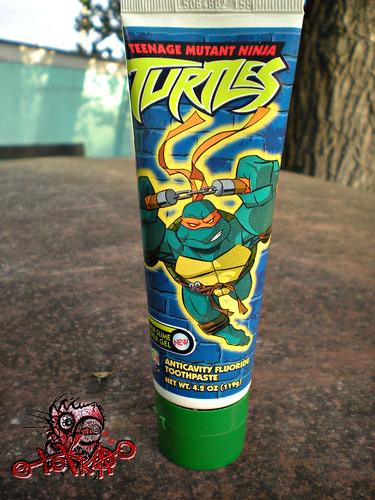 """Zoothpaste : """"Teenage Mutant Ninja Turtles"""" - ' SEWER SLIME POWER GEL' ANTICAVITY FLOURIDE TOOTHPASTE i (( 2004 ))"""