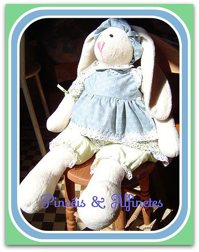 A coelha do vestido azul!