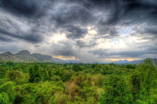 Kanchanaburi Clouds a la HDR #1
