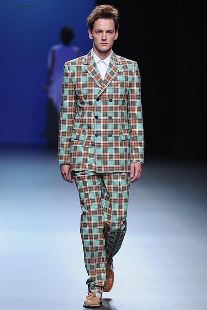 Jakob Hybholt3767_SS11_Madrid_Antonio Alvarado(Simply Male Models)