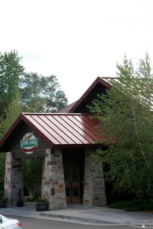 365/276: Leinie Lodge