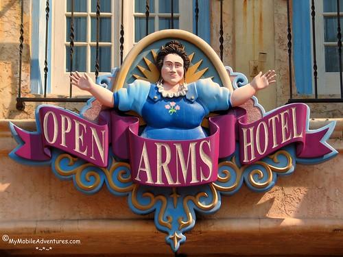 IMG_3943-Universal-IOA-Open-Arms-logo