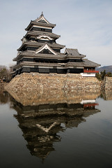 Matsumoto Castle (Mark Liddell) Tags: city reflection castle japan wall japanese ancient treasure ken jo historic special national keep  nippon walls crow moat matsumoto prefecture shi nagano tohoku nihon kaku jou  gatehouse  karasu  matsumotojo tenshu  matsumotojou karasujo hirajiro karasujou
