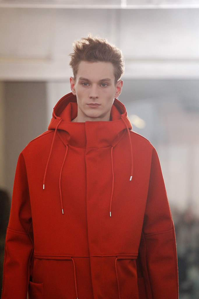 FW11_Paris_Raf Simons073_Aiden Andrews(VOGUEcom)