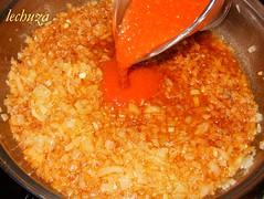 Albondigas de pescado-añadir tomate.