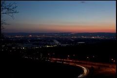 sundown VIII (Das halbrunde Zimmer) Tags: city urban panorama night germany deutschland lights dresden europa europe sonnenuntergang sundown nacht diary saxony sachsen stadt tagebuch lichter metropole stadtansichten vonoben landeshauptstadt urbanarea stadtlandschaft stadtpanorama urbanerraum