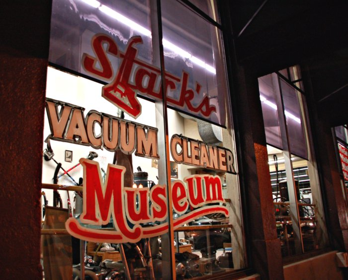 Mama Me From PDX Looking In Store Windows Starks Vacuum Cleaner