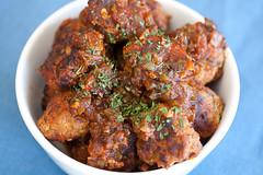 Sweet and Sour Meatballs (heuthye) Tags: food dinner lunch potato meatball lunch2 sweetandsourmeatballs dinner2 strobist rostti