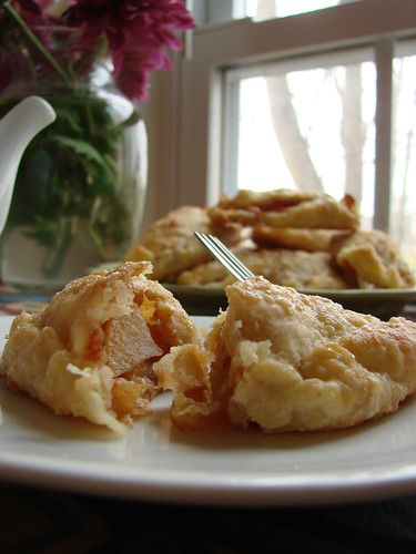 super cute mini apple hand pies