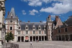 blois (obmm) Tags: france blois canon powershot g12 dpp châteauxdelaloire